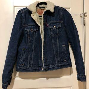 Levi's// Sherpa trucker jacket